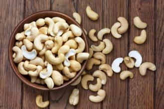 a-bowl-of-cashews